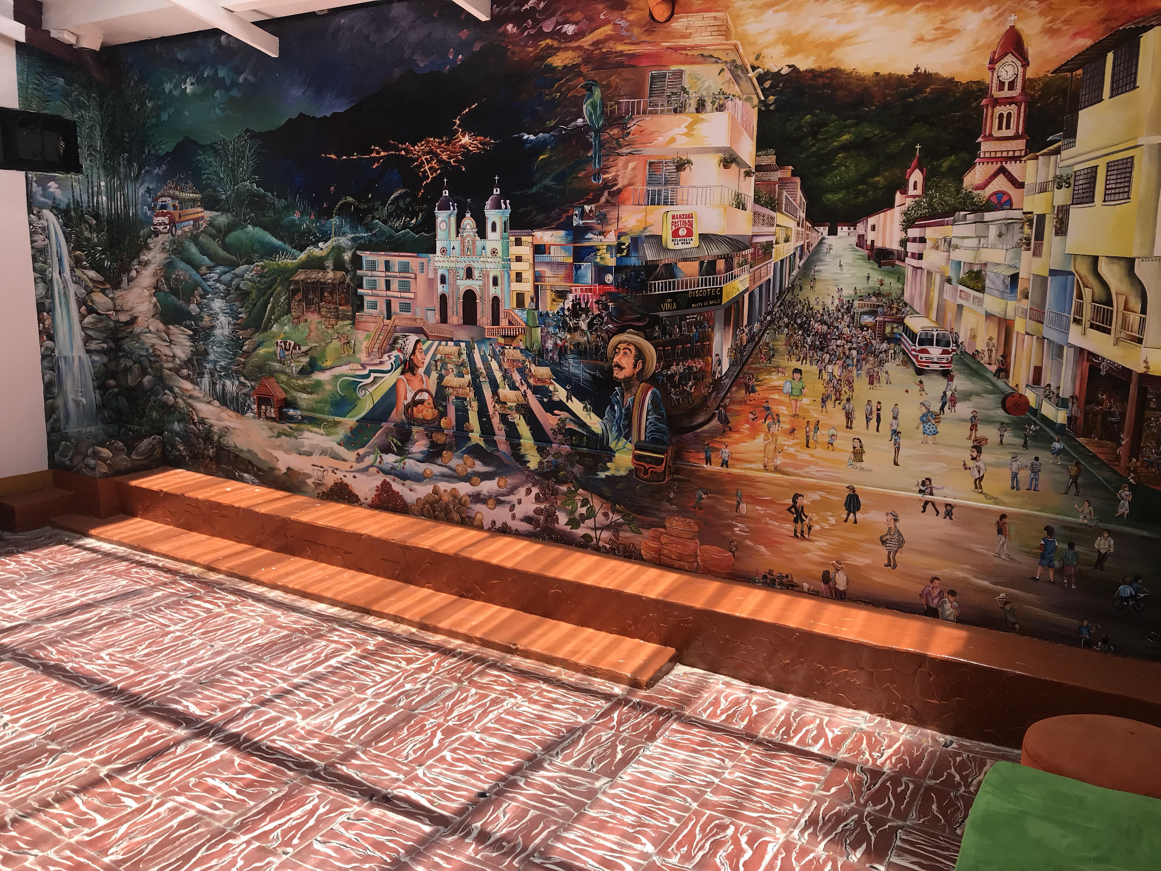 Mural emisora Granada