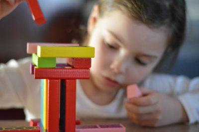 5 juegos ideales para estimular la motricidad en los niños