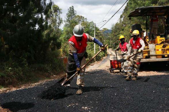 Rionegro Avanza en el mejoramiento de sus vías terciarias con la Edeso